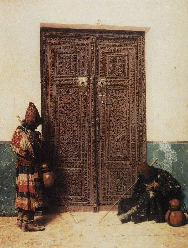 Картина В. Верещагина «У дверей мечети» (1873)