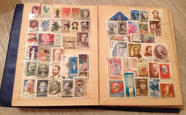 Коллекция марок в альбоме-кляссере