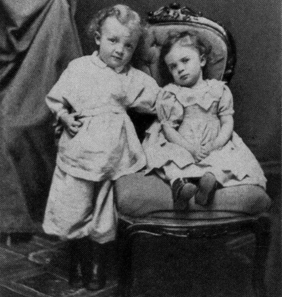 Четырёхлетний Владимир Ульянов с сестрой