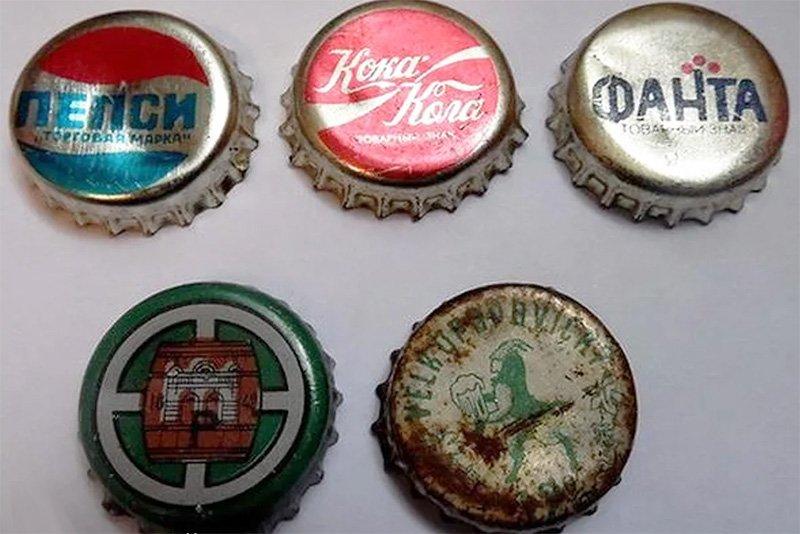 Пробки советских времён от прохладительных напитков (СССР) и пива (ЧССР)