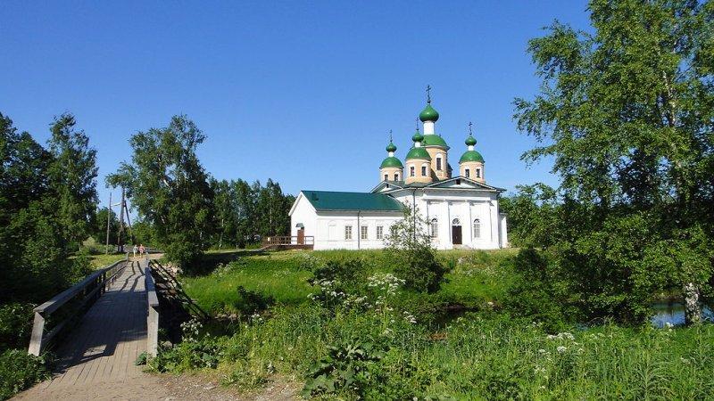 Смоленский собор в Олонце