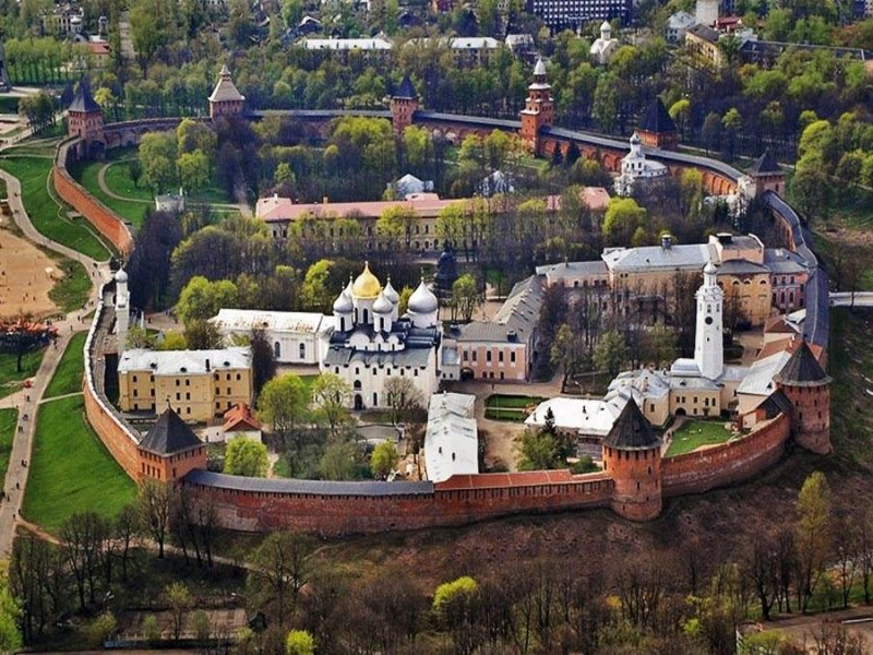 Вид на Детинец Великого Новгорода