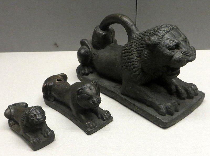 Статуи львов (бронза)