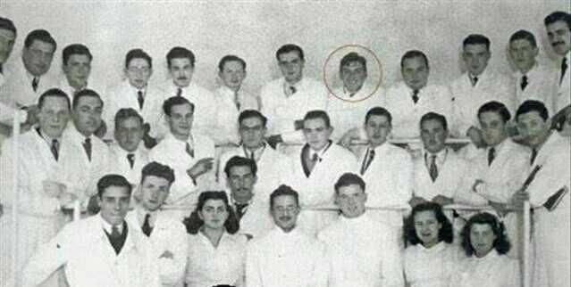 Эрнесто Гевара (обведён красным) на учёбе в университете