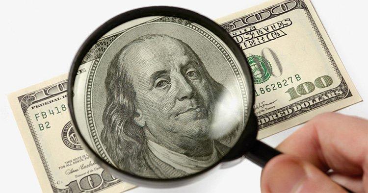 Линии гравюры портрета президента на банкноте США под увеличением