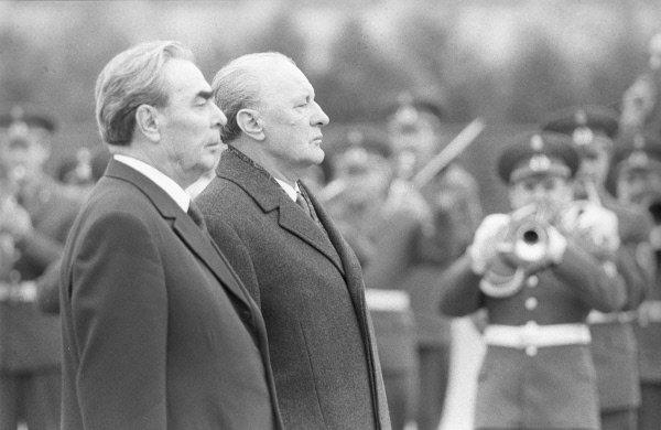 Генеральный Секретарь ЦК КПСС Л.И. Брежнев и Генеральный Секретарь ВСРП Янош Кадар. 1974 год