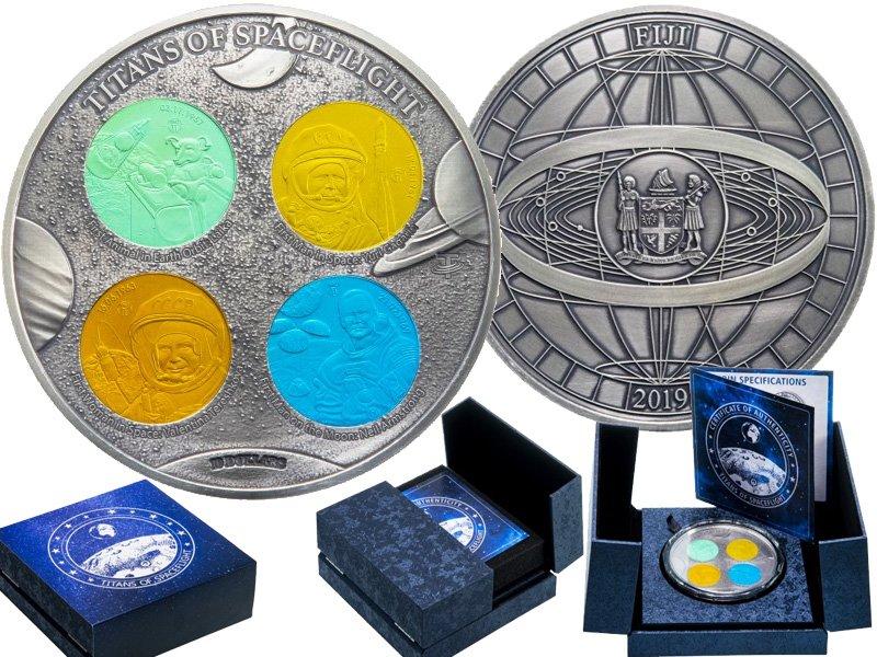 Серебряная монета с вставками из титана