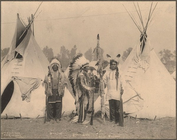 Воины племени сиу. Фото Ф. Ринехарт, 1898 год. Небраска. США