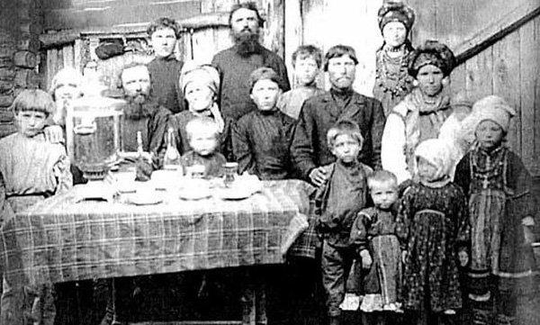 Русская крестьянская семья. Фото конца XIX – начала XX века