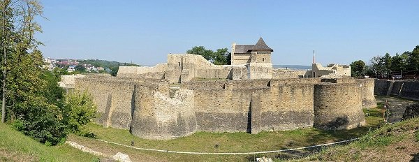 Тронная Крепость в Сучаве