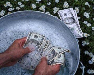 Отмывка долларовых банкнот в мыльном растворе