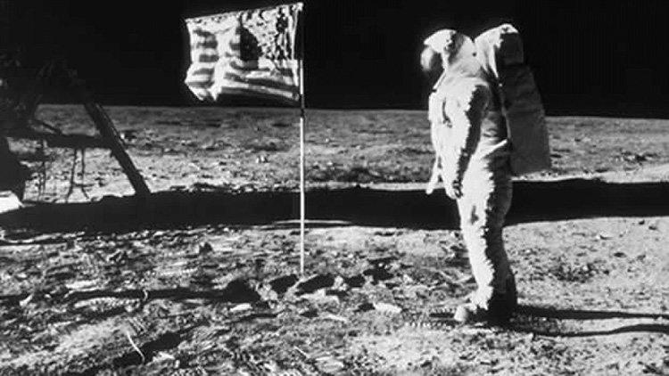 Американский астронавт Нил Армстронг на Луне, 1969 г.