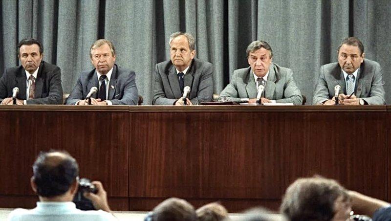 В президиуме ГКЧП первые лица государства