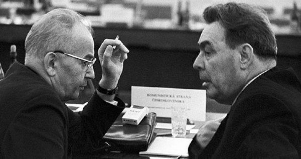 Последний лидер ЧССР Густав Гусак и Генсек ЦК КПСС Л.И. Брежнев. Фото. 1969 года