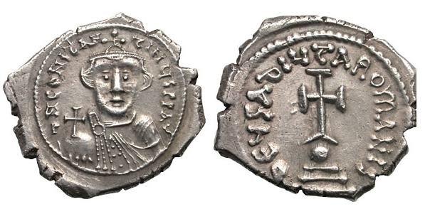 Гексаграм. Император Констант II (641-668). Аверс: dN CONSTANTINUS PP AV. Император без бород в анфас. На нем корона и хламида. В руке держит державу. Реверс: dEUS AdIUTA ROMA•NIS. Крест стоит на ступенях и шаре. Вес 6,88 г.