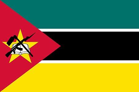Флаг Республики Мозамбик с изображением автомата Калашникова