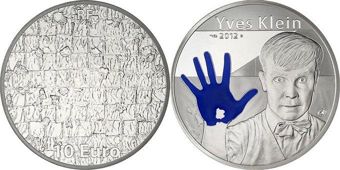 """10 евро Франции 2012 года """"Yves Klein"""" с цветным оформлением"""