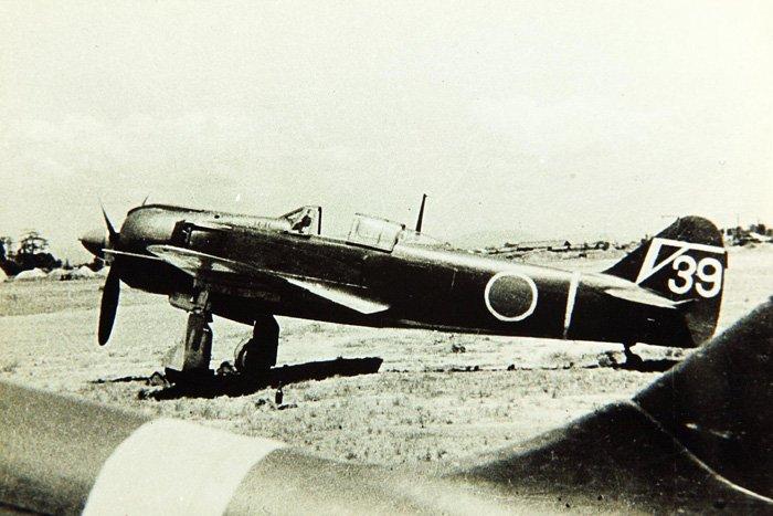 Одноместный японский истребитель Кавасаки КИ-100