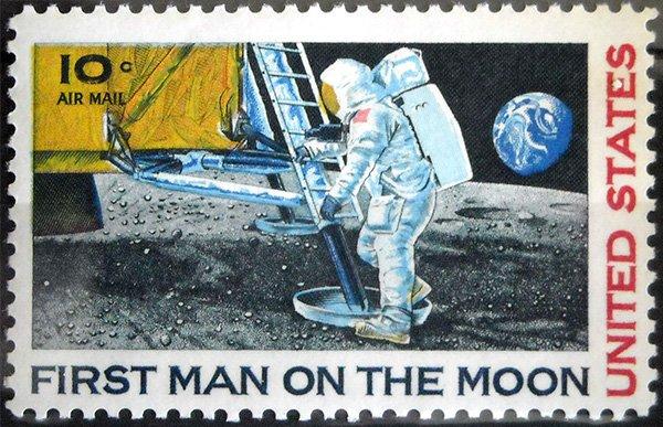 Марка США «First man on the Moon»