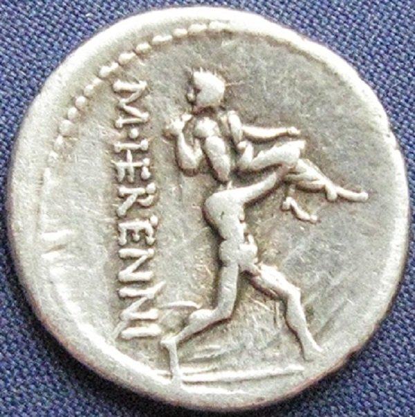 На реверсе денария 108 года до н.э. – легендарная история братьев - Амфинома и Анапия, спасших своих родителей во время извержения вулкана Этна, унесших их на плечах в безопасное место