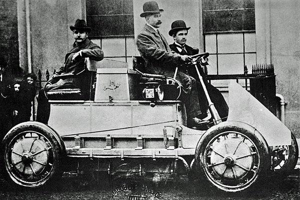 Первый в мире гибридный автомобиль Lohner Porsche