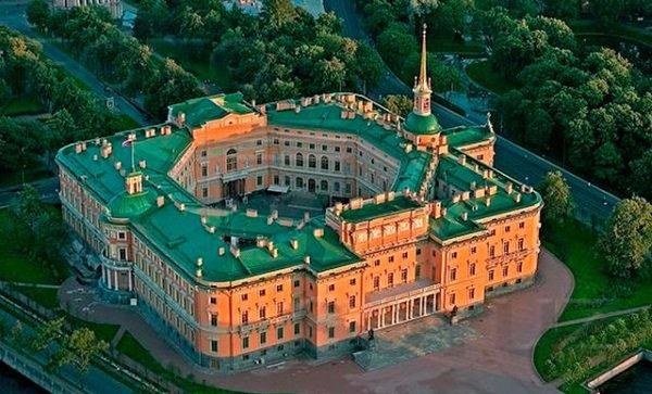 Михайловский замок в Санкт-Петербурге, где был убит Павел I