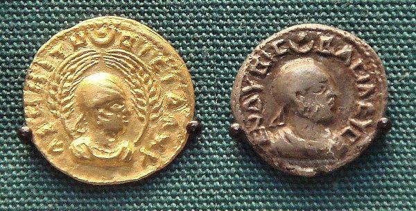 Первые аксумские монеты. Царь Эндубис (последняя треть III века). На монете справа - легенда на греческом языке «ΕΝΔΥΒΙϹ ΒΑCΙΛΕΥϹ» - «ЭНДУБИС ЦАРЬ». Коллекция Британского музея