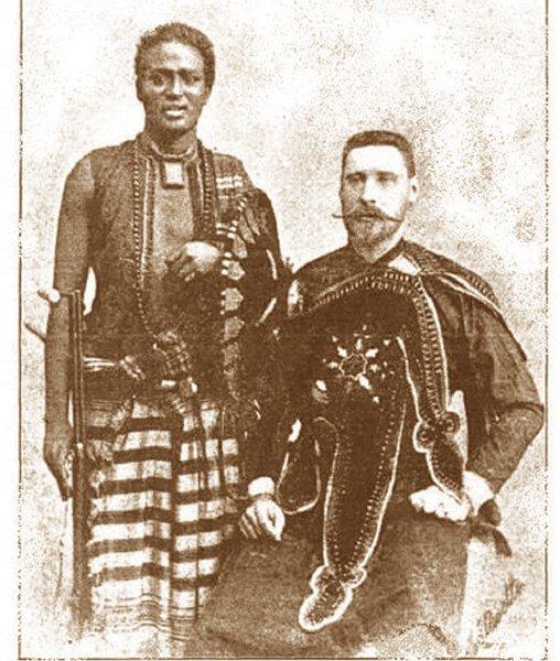 Деджазмач и граф Абиссинии, губернатор экваториальных провинций Николай Леонтьев (1862-1910 гг.) с оруженосцем