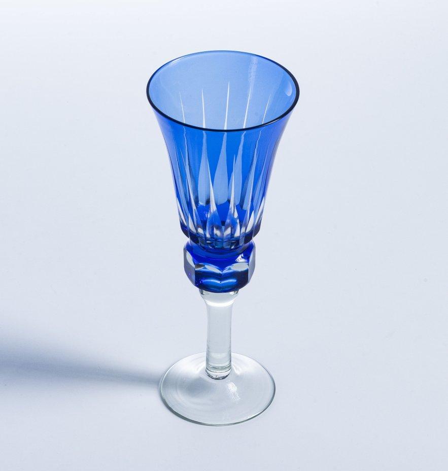 купить Фужер с фигурной ножкой выполненный в технике алмазная грань, кобальтовое стекло, прозрачное стекло, Западная Европа, 1980-2000 гг.