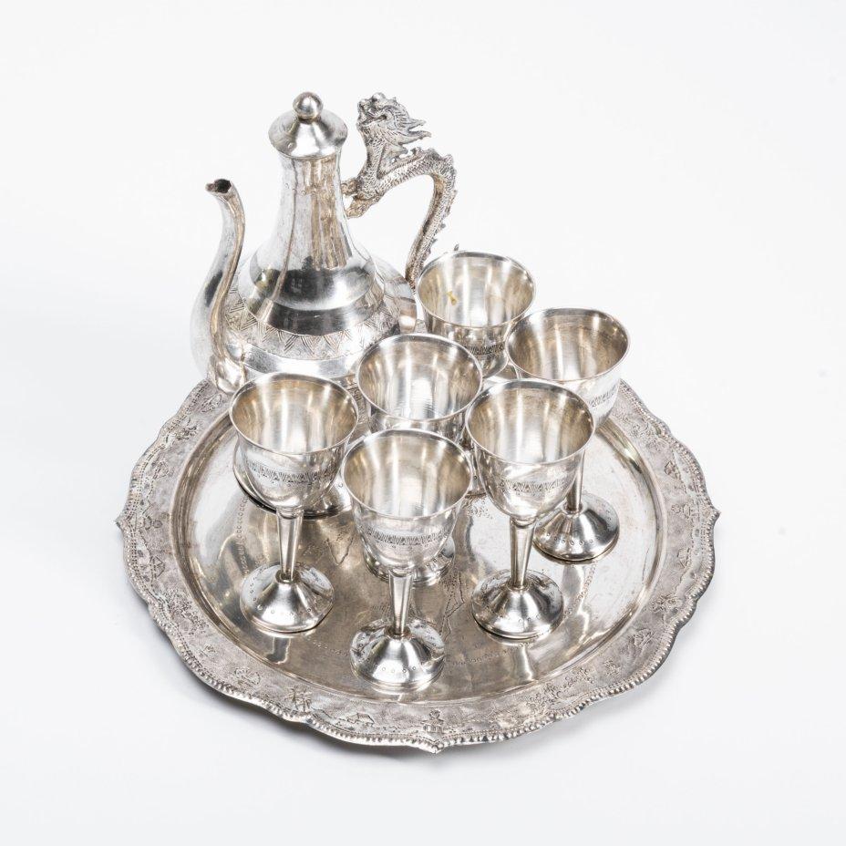 купить Набор для крепких напитков (графин, поднос, 6 стопок), сплав металла,  Вьетнам, 1970-1990 гг.