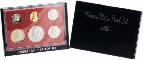 купить США годовой набор монет 1982 года Proof (5 монет в футляре + жетон)