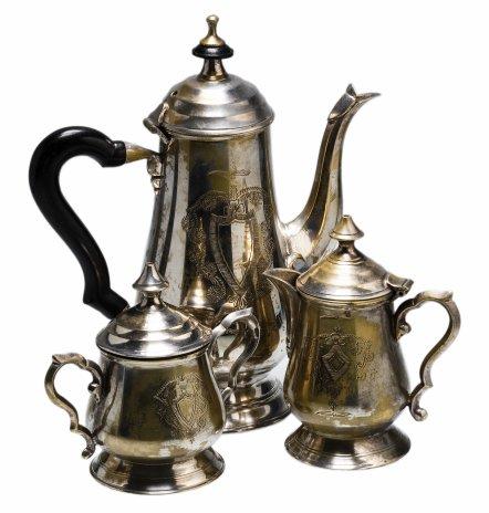 купить Набор кофейный из 3-х предметов (кофейник, сахарница, молочник) с гильошированием, никель с серебрением, Великобритания, 1910-1960 гг.
