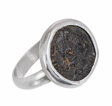 купить Серебряное кольцо 750 пр. с античной медной Римской монетой Констанция II, Ручная работа.