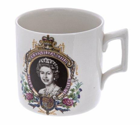 купить Чашка чайная, выпущенная к юбилею королевы Елизаветы II, фарфор, деколь, Англия, 1977 г.