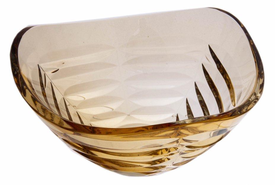 купить Ваза (фруктовница) треугольной формы, желтое стекло, Чехословакия, 1970-1990 гг.