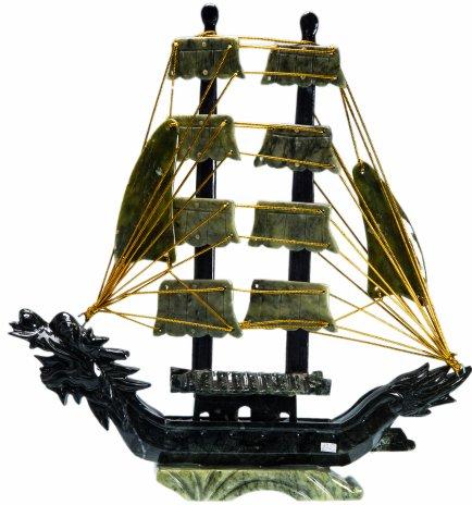 купить Корабль из серпентинита (змеевик)
