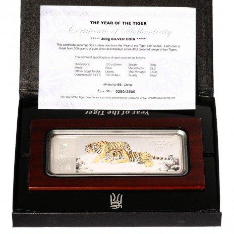 """купить Либерия 100 долларов 2010 """"Год тигра"""" (в рамке, с сертификатом), 300г чистого серебра 999 пробы"""