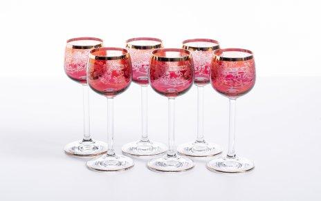 купить Набор из 6 рюмок из двухцветного стекла украшенных цветочным декором, гравировка, крытье, золочение, Чехословакия, 1970-1990 гг.