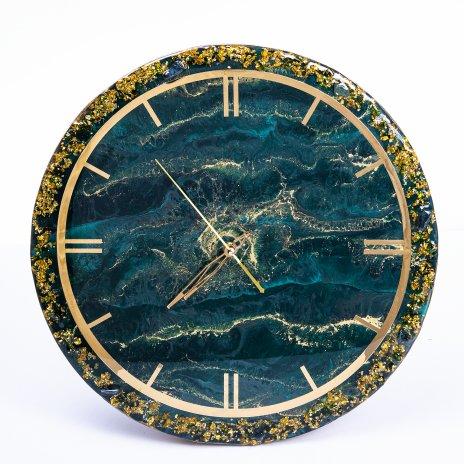 """купить Часы настенные """"Изумрудная фантазия"""", авторская ручная работа в технике Resin Art, Глянцевое 3D покрытие, металл, Россия, 2021 г."""