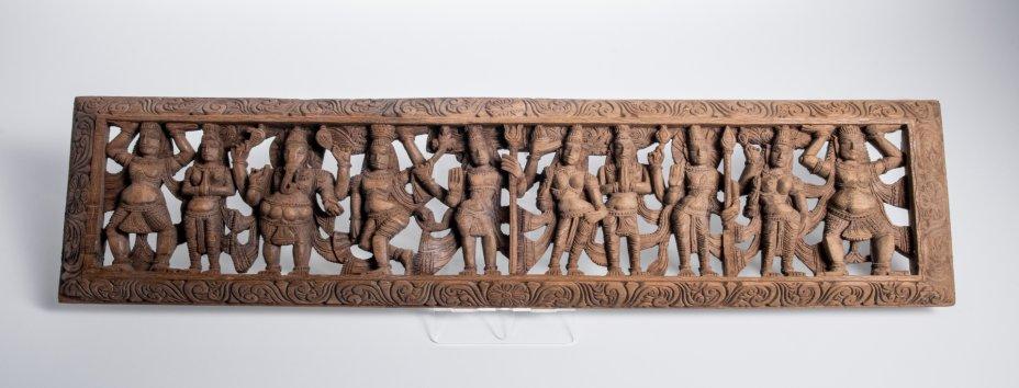 купить Панно прорезное с мифологическим сюжетом, дерево, резьба, Индия, 1970-1990 гг.