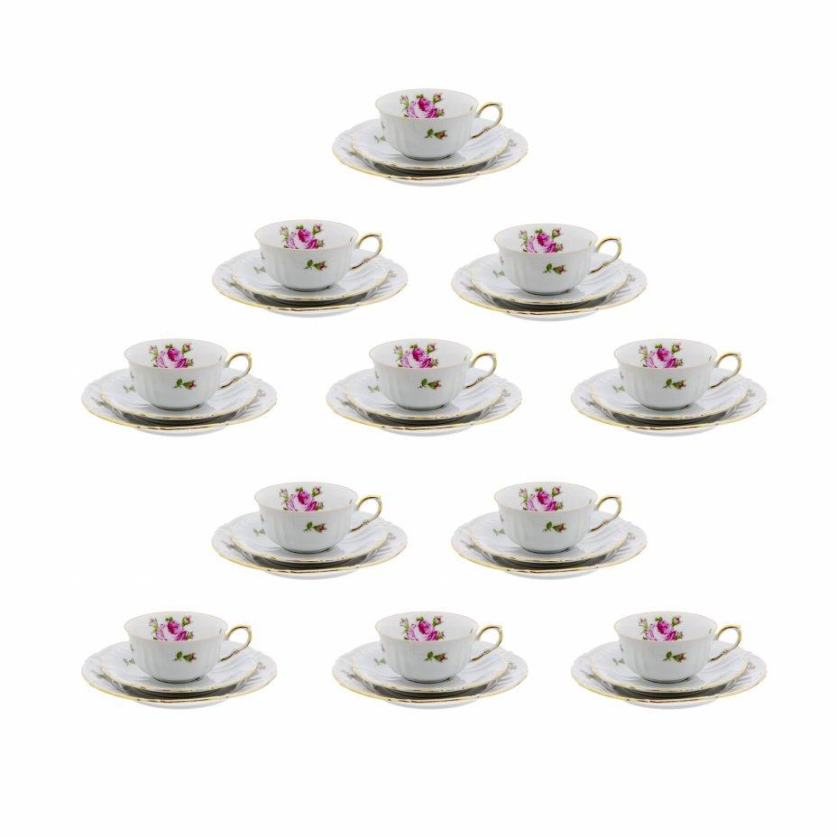 купить Набор чайных трио на 11 персон, декорированных изображениями роз, фарфор, деколь, позолота, фабрика Roschutz, ГДР, 1946-1968 гг.