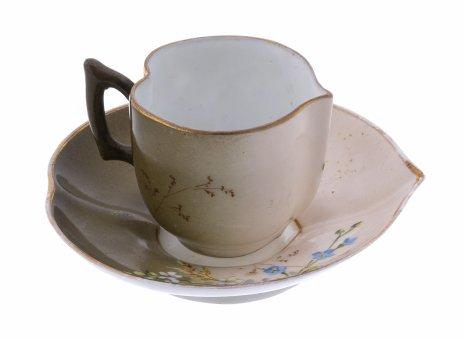 купить Пара кофейная с цветочной росписью в форме листка , фарфор, роспись, Российская Империя, 1900-1917 гг.