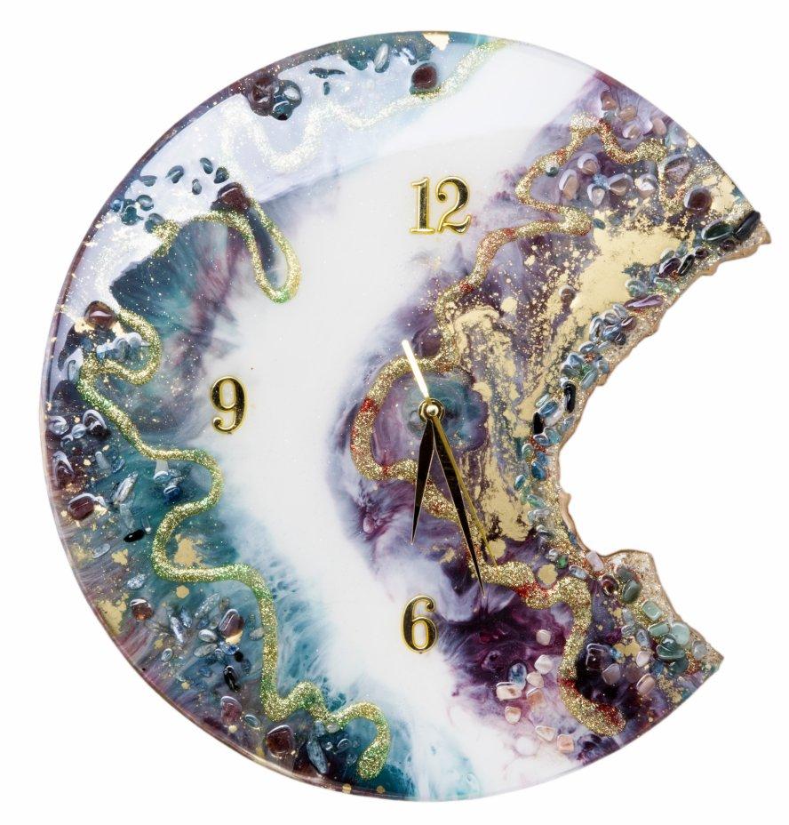 """купить Часы настенные """"Месяц"""", авторская ручная работа в технике Resin Art, Глянцевое 3D покрытие, натуральный камень, металл, Россия, 2021 г."""