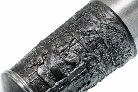 купить Бокал для вина с рельефным изображением бытовых сцен из повседневной жизни, олово, Германия, 1970-1990 гг.
