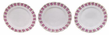 купить Набор обеденных тарелок на три персоны с изображениями роз по борту, фарфор, деколь, золочение, Российская Империя, 1880-1917 гг.