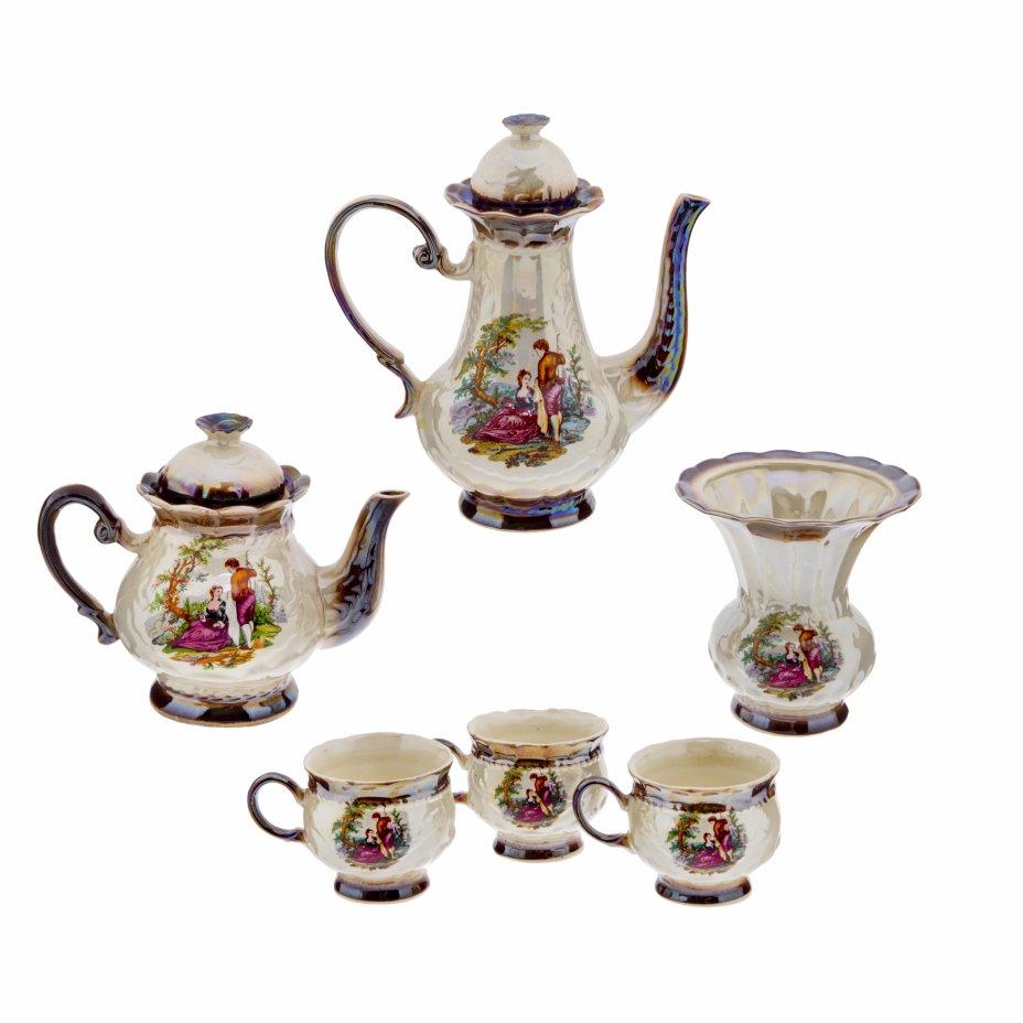 купить Сервиз чайно-кофейный с изображением галантной сцены на 3 персоны (6 предметов), фаянс, градиентное крытье, деколь, люстр, СССР, 1970-1991 гг.