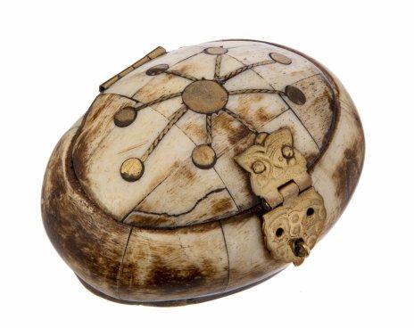 купить Шкатулка овальной формы, с инкрустацией из металла, латунь, кость, Индия, 1970-1990 гг.