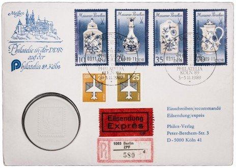 купить Жетон из фарфора, посвященный выставке филателии в Кёльне 1989г (в буклете с марками)