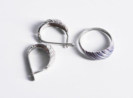 купить Набор - серьги и кольцо (21 размер), серебро 925 пр. с витым декором, Россия 1990-2010 гг.