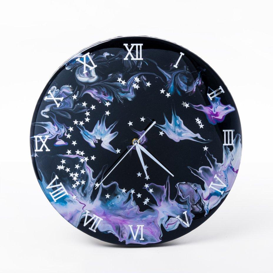 """купить Часы настенные """"Летняя ночь"""", авторская ручная работа в технике Resin Art, Глянцевое 3D покрытие, натуральный камень, металл, Россия, 2021 г."""